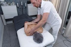 Nackenschmerzen und Verspannungen